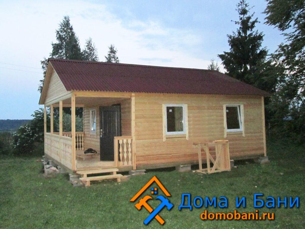 Построенный дачный дом из бруса